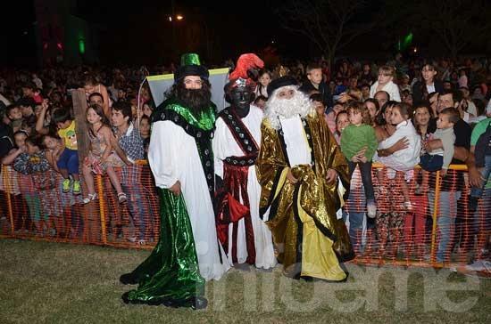 La magia de los Reyes Magos envolvió otra noche única