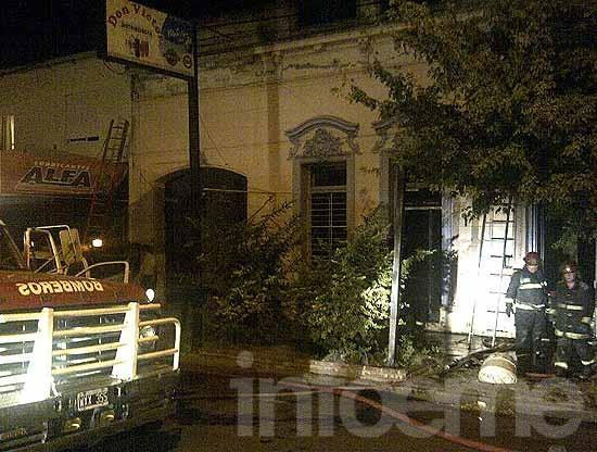 Se incendió una distribuidora y el local del Partido Obrero