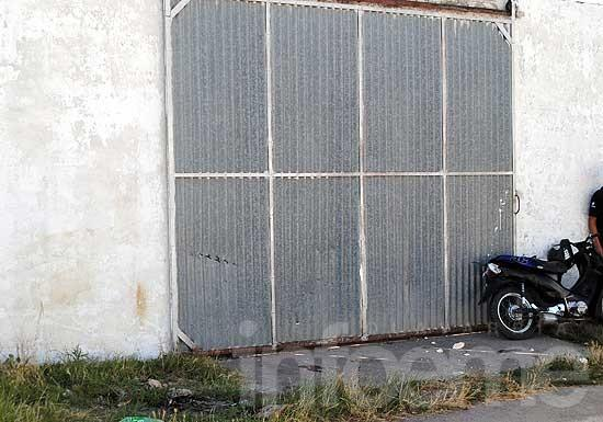 Chico de 11 años con heridas al chocarse un portón en moto