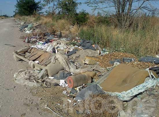 Cuatro cuadras de basura, a metros de la planta de residuos