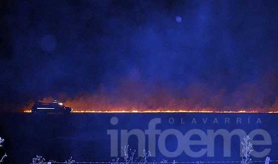 Incendio de rastrojos en dos campos de Colonia Hinojo