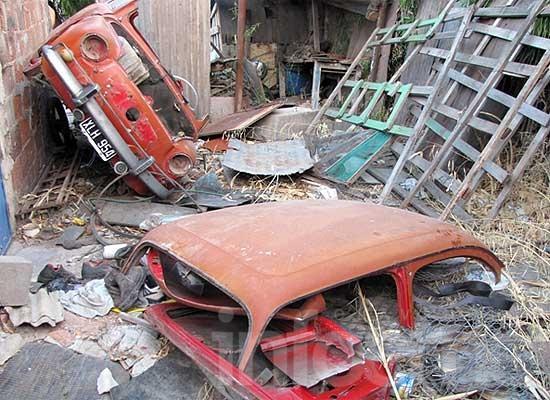 Loma Negra: hallan desarmado un auto que había sido robado