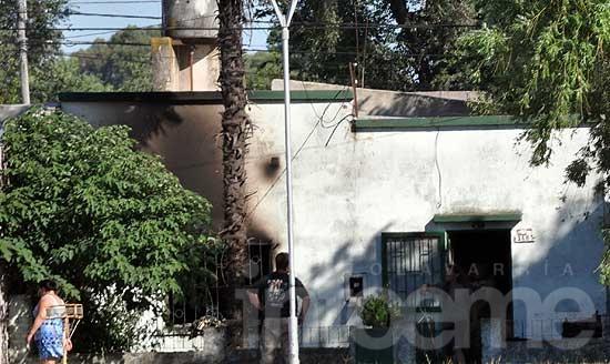 Se incendió una vivienda en el barrio Alberdi