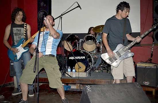 Invernalia tiene la posibilidad de tocar en Cosquín Rock