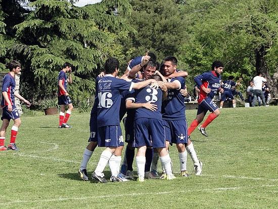 Villa Floresta y Racing definen al campeón del año en Segunda
