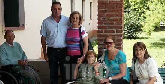 El Senador Héctor Vitale visitó el Hogar de Ancianos