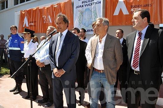 Scioli inauguró en Loma Negra la Escuela de la Policía comunal