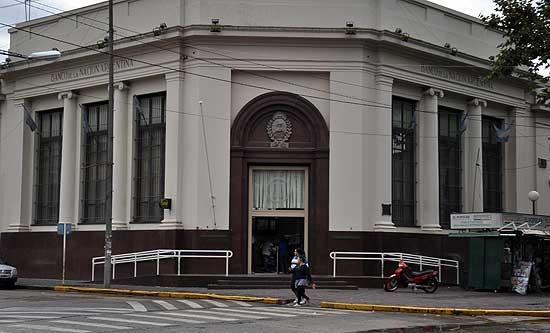 Trabajadores del Banco Nación acordaron 30% de aumento salarial
