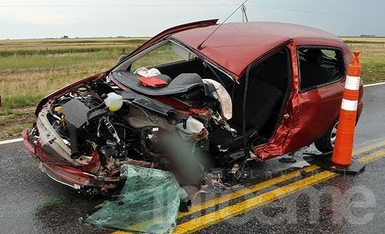 Una mujer falleció en fuerte accidente sobre la ruta 226