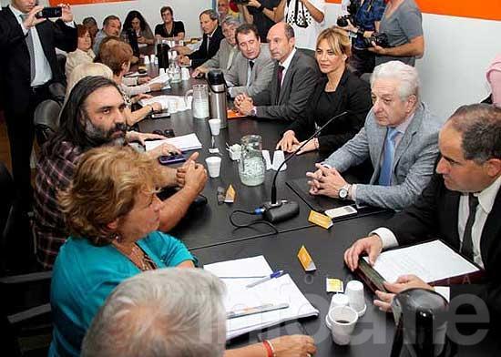 Paritarias docentes: sin oferta, comenzaron las negociaciones