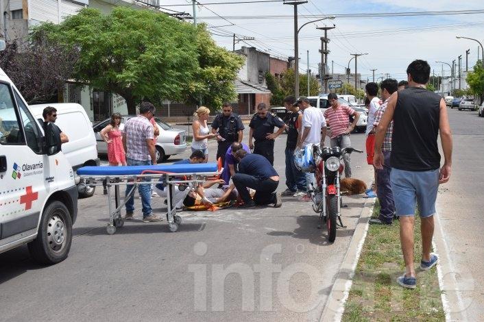 Un joven motociclista resultó herido al atropellar a un perro