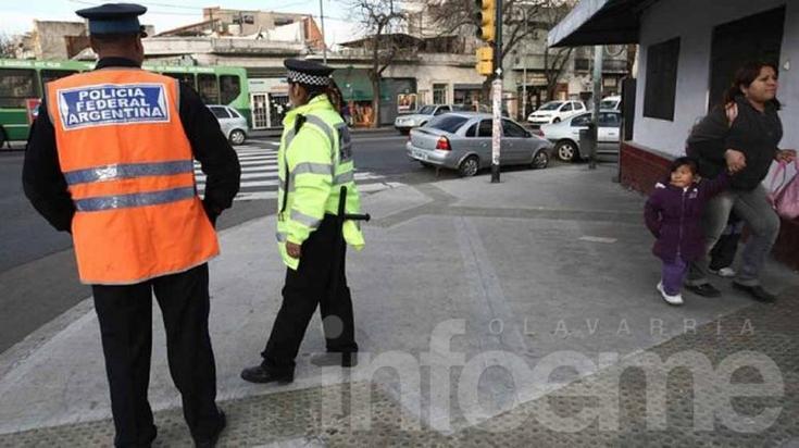 Advierten que ninguna ley obliga a los ciudadanos a llevar el DNI en la vía pública