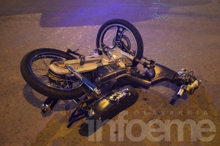 Dos motociclistas heridos en un choque cerca del Cementerio