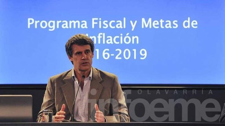 Prat Gay informó que la deuda total en default es de casi US$10 mil millones