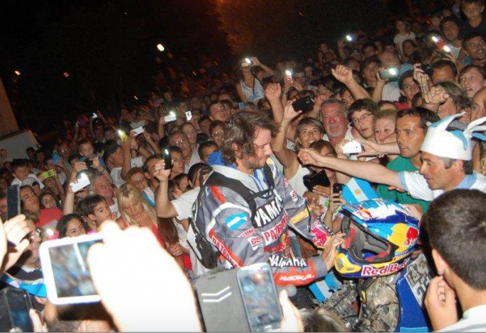 Dakar: Una multitud recibió a Marcos y Alejandro Patronelli en Las Flores