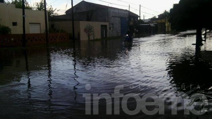 Tormenta en Olavarría: calles anegadas y techos volados
