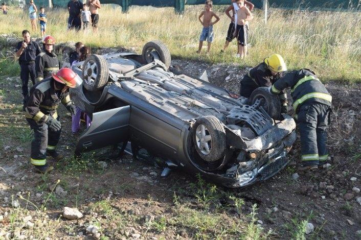 Violento vuelco en Ruta 226: una familia herida