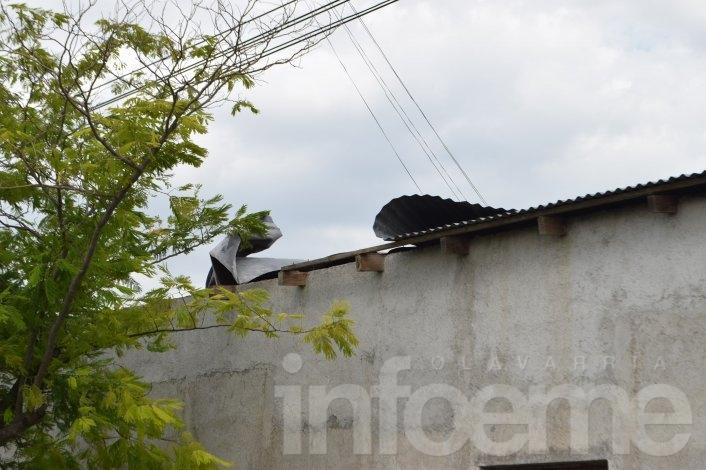 El techo de la Sociedad de Fomento de Villa Mailín se levantó por fuertes ráfagas de viento