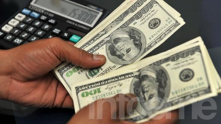 Eliminan tope para compra de dólares con efectivo por ventanilla