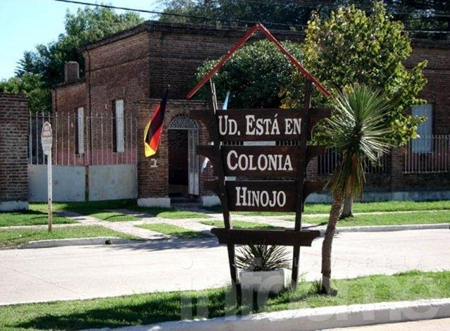 Colonia Hinojo celebra su cumpleaños