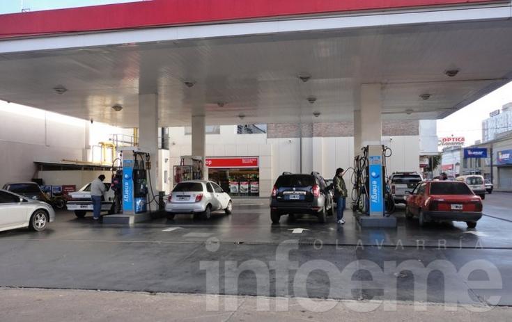 El precio del combustible aún no registró la suba del 8%