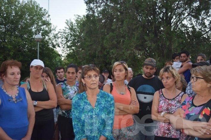 Vecinos de Sierras Bayas se convocaron nuevamente en la Plaza Central