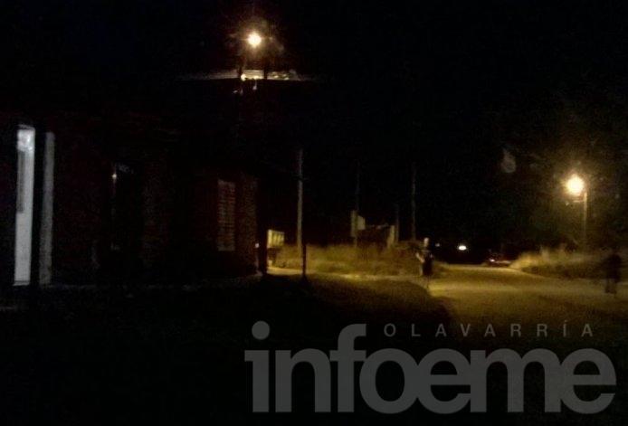 Vecinos del barrio Nicolás Avellaneda preocupados por falta de luz en las calles