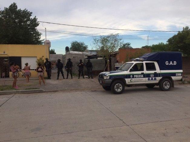Continúan los allanamientos por el asalto a una familia en su casa