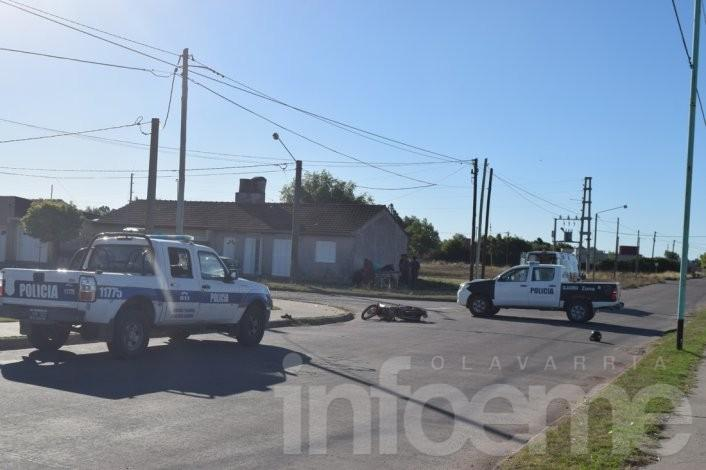 Un herido tras chocar una moto y una camioneta