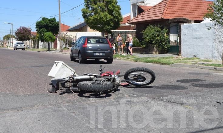 Accidente: motociclista fue trasladado al Hospital