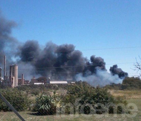 Significativo incendio de pastizales en Sierras Bayas