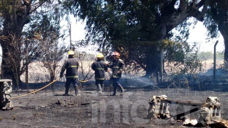 Incendio en una casa quinta movilizó a Bomberos