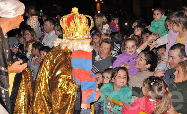 Todo el colorido de la Fiesta de los Reyes Magos en Sierras Bayas