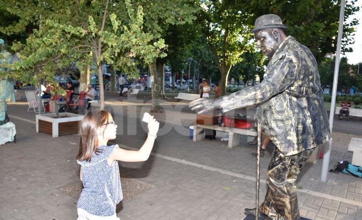 El arte de las Estatuas Vivientes llegó al Paseo