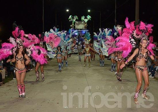 Fiesta popular: un gran marco en el arranque de los Corsos 2014