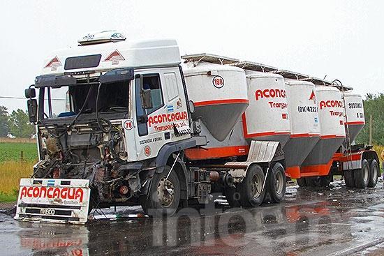 Un herido tras un choque por alcance entre dos camiones