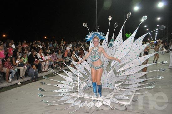 Más de 42 mil personas en la segunda noche de carnaval