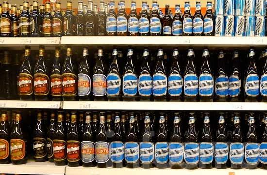 Minoristas buscan extender el horario de venta de alcohol