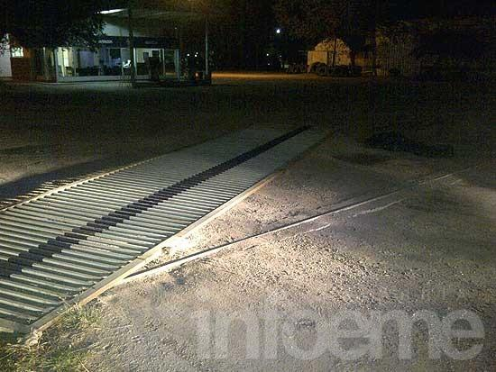 Un hombre murió aplastado por un portón corredizo
