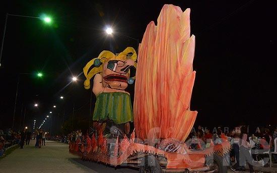 El Rey Momo fue la atracción de la noche  en los Corsos