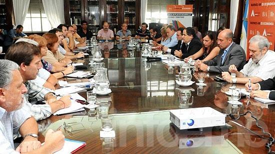 Docentes rechazaron propuesta y continúan las negociaciones