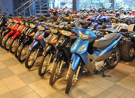 La venta de motos se redujo a la mitad en los últimos doce meses