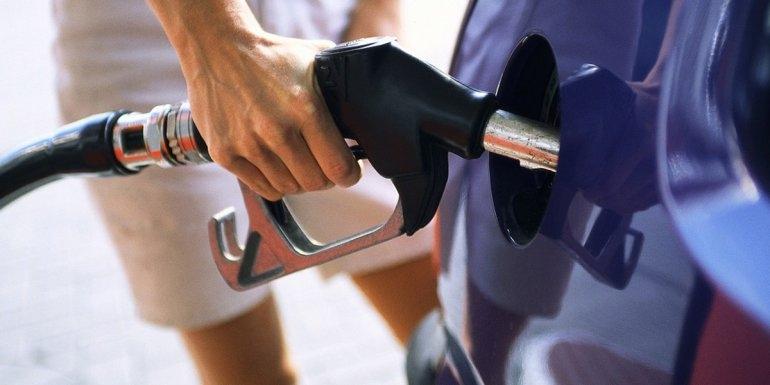 Aumentó casi un 1% el precio del combustible