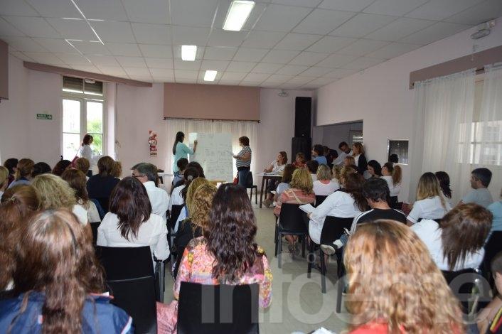 La FEB rechazó el aumento ofrecido y convocó a un paro docente de 72 horas