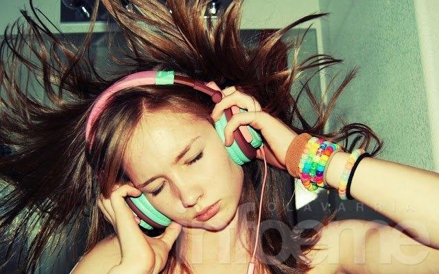 Más de 1.100 millones de jóvenes pueden perder la audición