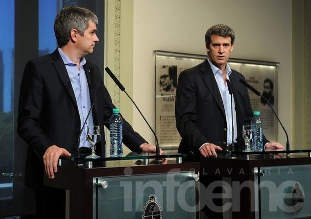 """Peña: """"el Gobierno no pone techo a paritarias"""""""