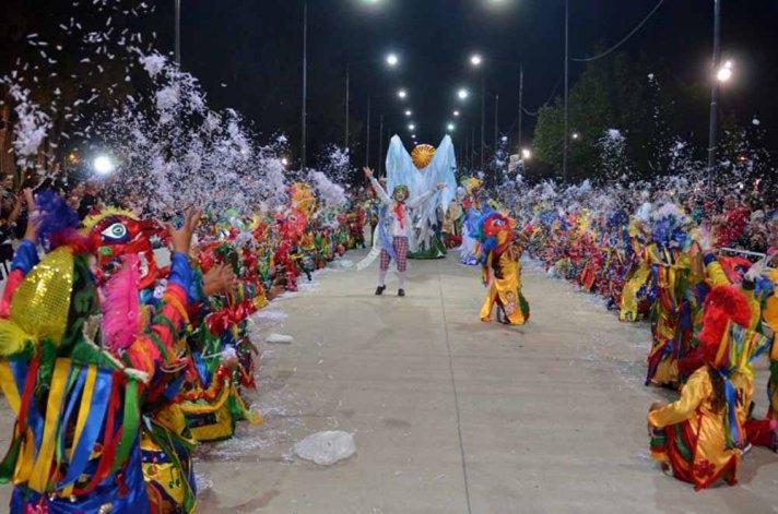 Más de 2500 chicos dan inicio con el desfile infantil a los Corsos 2016