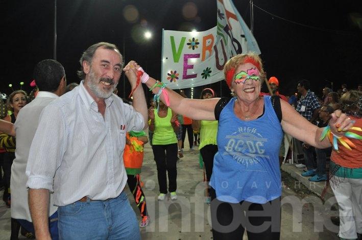 Los adultos mayores brillaron en la tercera noche de los corsos