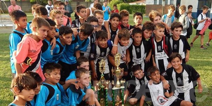 Estudiantes campeón en Ayacucho
