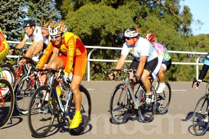 Olavarrienses en la Vuelta Máster y Promocional